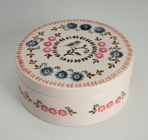 Nostalgic Round Box Sweet Bird Hand Painted