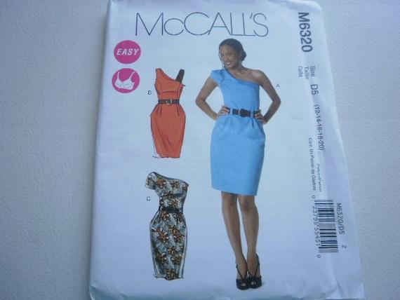 Pattern Ladies Dress 3 Styles Size 12-20 McCalls 6320