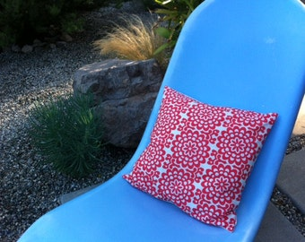 Pillow in Flower Print - Salmon & Ivory