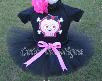 Cute Pirate Skull Crossbones Outfit Set  -- All Sizes 6 9 12 18 24 Months 2T 3T 4T ----Halloween, Birthday, Photo, Holidays, Dress Up