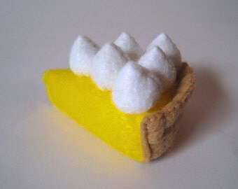 Felt food lemon meringue pie - children's eco friendly pretend felt play food for toy kitchen