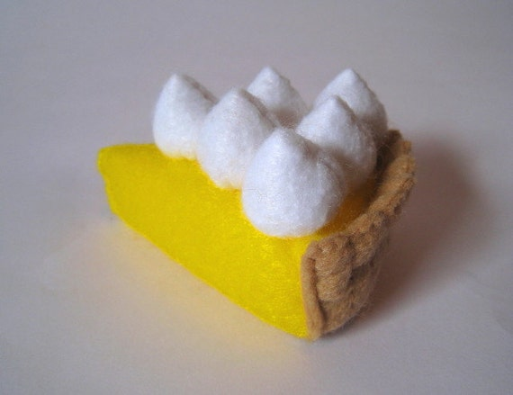 Felt food lemon meringue pie - children's eco friendly pretend felt play food for toy kitchen