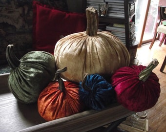 Velvet Pumpkin - Extra Large - With Real Dryed Pumpkin Stems