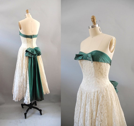 s a l e 1950s Dress / 50s Irish Debutante / Satin Bow