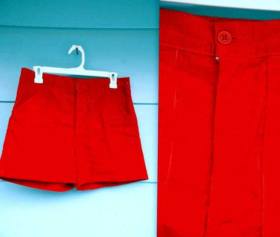 SALE. 1980s. cherry red corduroy shorts. s-m