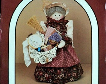 "Vintage - Sadie - 17"" Peddler Doll and Clothes Pattern - Dream Spinners No. 137"