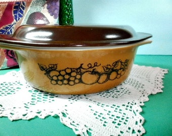 Vintage Pyrex Old Orchard Covered Oval Casserole 1.5 Quart  043