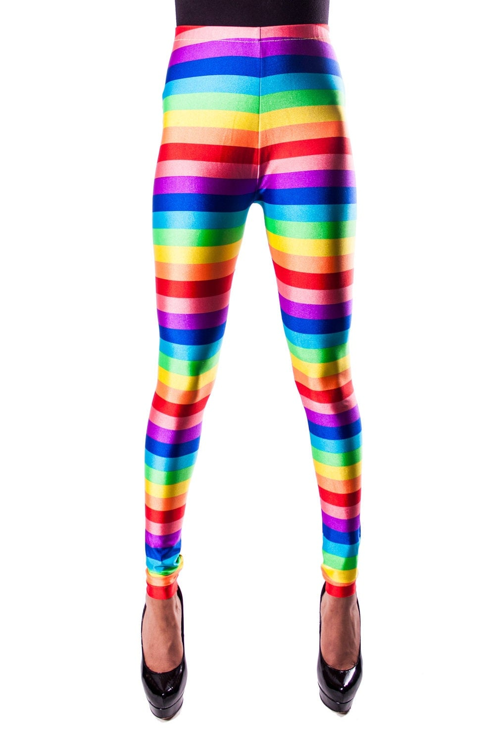 These Lumo™ Rainbow Reflective Leggings are designed with a high-stretch, compressive fabric, crafted with wide elasticated waistband and flat seam lines that provide a smooth feel against your skin.