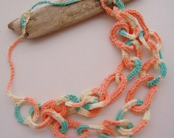 Interlocking Circles Summer Necklace