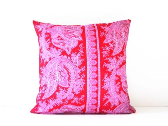 crazy love decorative throw pillow cover / 18 x 18  / reversible / dorm decor / cottage chic / stripes / nautical