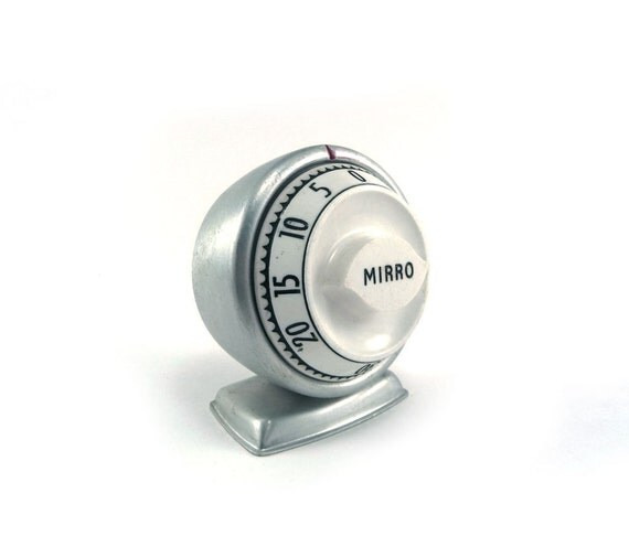 Aluminum kitchen timer - vintage mid century Mirro 60 minute black white silver timer