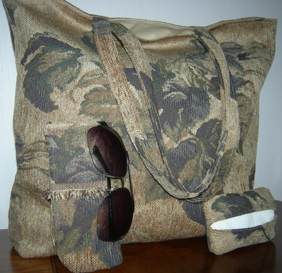 Wine Leaf Large Tote with Matching Eye Glass Case/Cell Phone Holder and Pocket Tissue Holder