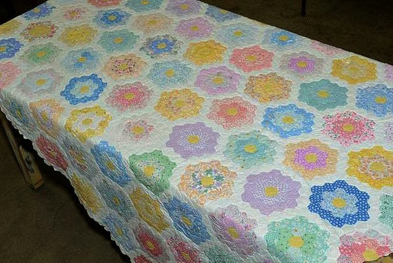 Vintage Quilt Grandmothers Flower Garden Pattern 3000