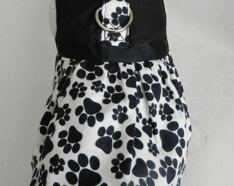 Black & White PUPPY PAW Print Harness. Perfect Item for your Cat, Dog or Ferret. all Items are custom made For Your PET.
