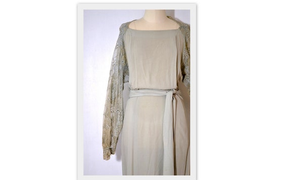 1930's / 1940s Vintage Dress / Full Length Gown // Pale Sage Green Crepe Dress with Full Net Lace Sleeves