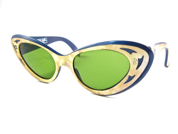 blue/mother of pearl layered cat eye sunglasses. oversized green lenses. unique. non prescription. NILSOL Italy.