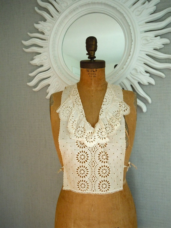 Edwardian jabot dickie/ Machine Lace collar, undergarment, 1900-1912, Antique Lace