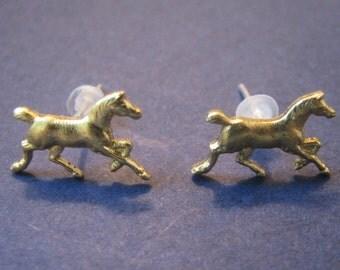 trotting horse post earrings