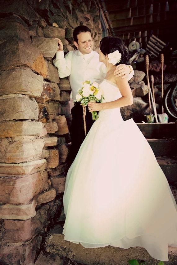 Bridal Fascinator, Ivory or Champagne Gardenia, Bridal Flower Fascinator, Bridal Headpiece, Bridal Hair Clip, Rhinestone Hair clip