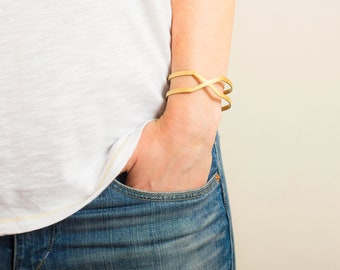 LES FORMES - Maya gold-coated brass bangle bracelet (FB03)