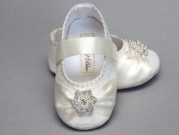 Items similar to Baby Girl Shoe Caroline Wedding Flower