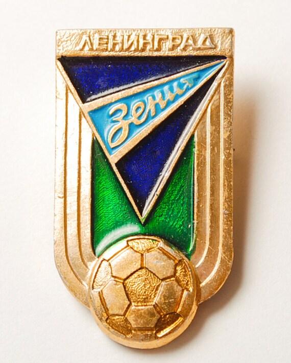 Vintage metal badge, pin football club Zenit, Leningrad