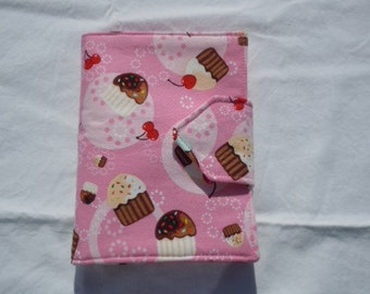 Kids Travel Coloring Case, Twistables Colored Pencil Holder, Road Trip Drawing Pad, Crayon Holder, Cupcakes, Ready To Ship!