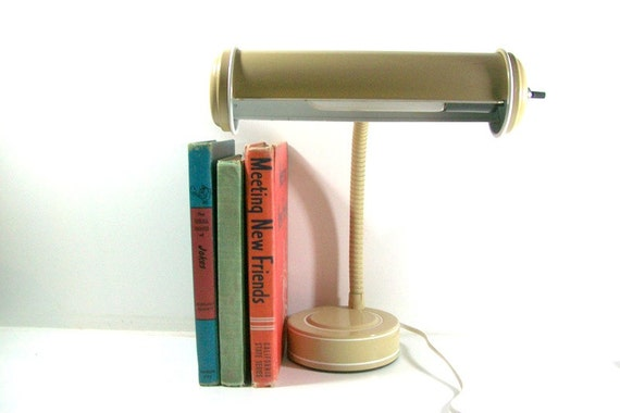 Retro Gooseneck Desk Lamp-Metal