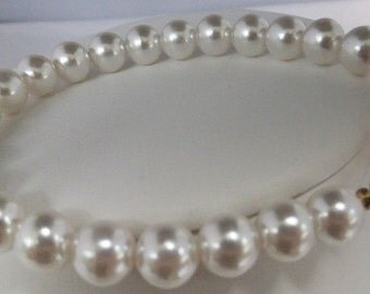Vintage jewelry bracelet by Parklane in white high luster simulated pearl wedding bracelet