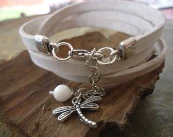 Last DRAGONFLY & WHITE LEATHER Wrap Bracelet with Coral (35)