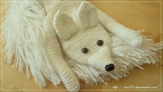 OOAK hand -knitted fox scarf (white)
