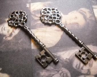 Bulk Skeleton Keys-Gunmetal-Black Keys-Skeleton Key Pendants-68mm-100pcs-Wedding Keys-Wholesale Skeleton Keys