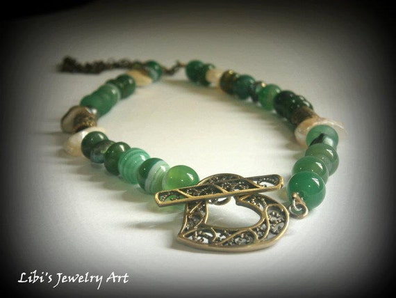 Green necklace, Forest green gemstone Necklace, Gemstone necklace, Green jewelry,Woodland necklace,Front Heart clasp necklace,Short necklace