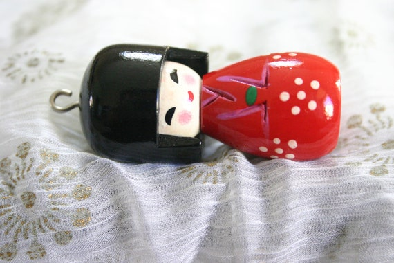 Kimono Girl - 1 Wooden Red Japanese Kokeshi doll charm