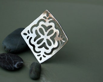 Silver Statement ring with a snowflake ornament, big silver ring, square silver ring