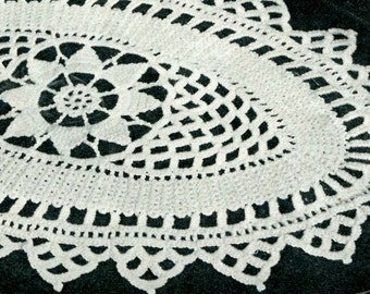 Vintage 1940s Oblong Crocheted Doily -- PDF CROCHET PATTERN