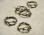 10pcs of Antiqued Bronze 3D Crown of Thorns Jesus Crucifixion Christian Charm Pendants Drops Q45-A18613
