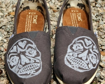 Skull TOMS Shoes