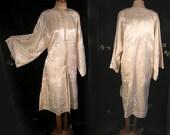 White Vintage Handembroidered Silk Kimono Jacket ca 1930s/40s