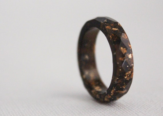 thin multifaceted eco resin ring brown with gold flakes - size 8