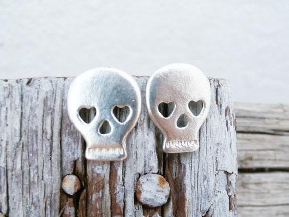 Skull Earrings Sterling Silver - Sterling Silver Sugarskull Earrings - Dia Des Los Muertos Studs - Skull with Hearts - Skull Silver Earrings