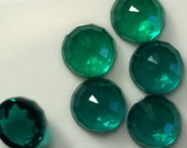 6 pcs 8 mm Emerald Green Faceted high dome 4,7 mm Glass Round Cabochon  80CB