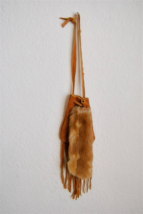 vintage pouch, 1970's brown suede fringed and fur medicine bag pouch, wrislet