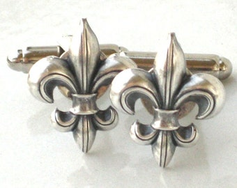 Steampunk FLEUR DE LIS - Men's Cufflinks Cuff Links - Antique Silver - New Orleans Saints - By GlazedBlackCherry