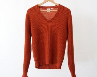 1970s v-neck sweater, vintage ribbed knit pullover
