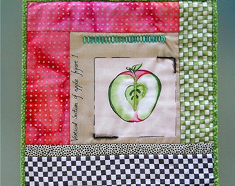 Apple-Of-My-Eye Quilt Wall Hanging