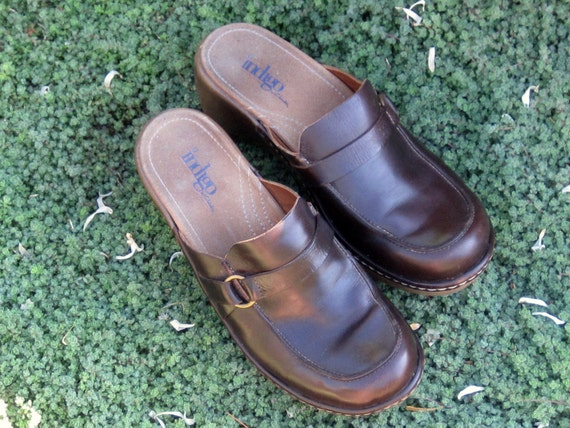 Reserved Tonya...SALE  Vintage Indigo by Clarks 8 Med Awesome Condition Retail 125