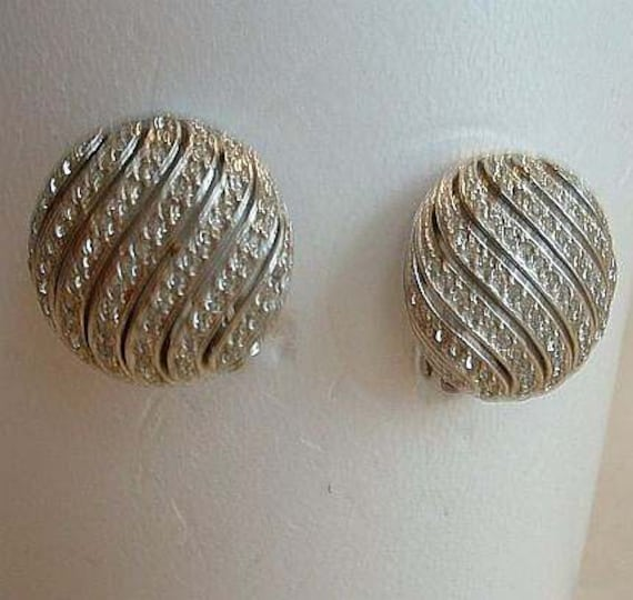 Ciner Pave Rhinestone Clip On Earrings Signed Vintage Jewelry