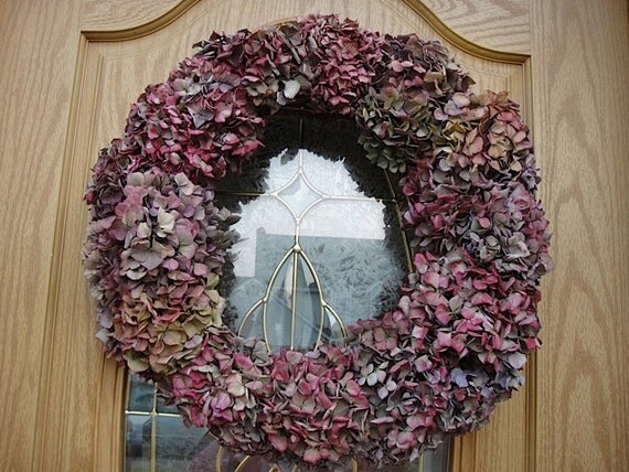 Hydrangea Wreath In Magenta Tones   Natural Air Dried Hydrangea Wreath