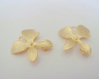 Wholesale Supplies Gold Orchid Flower Star  Connector, Earring Findings, setting, connector, pendants 2 pc E18735